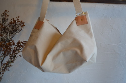 CANVAS-SHOULDER-BAG (帆布肩掛鞄)