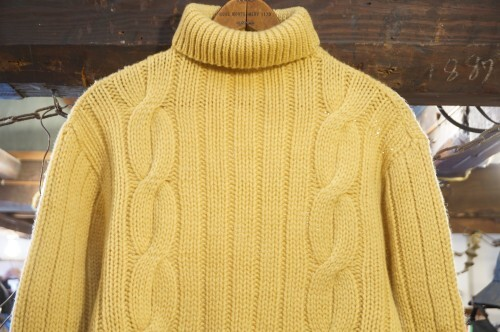 late 60's DRUMMOND wool turtle neck Sweater