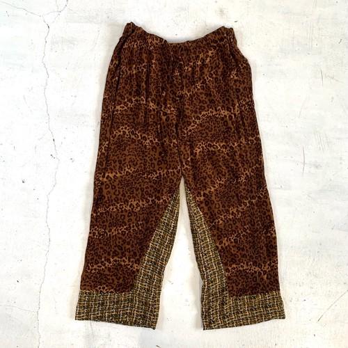 Pattern wide pants / A