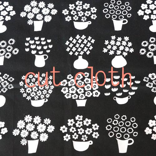 【カットクロス】flower base - small(black)オーガニックコットン サテン(69×98cm)