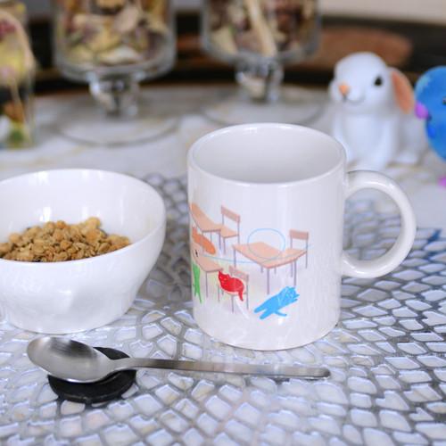 日本野良猫協会マグカップ。子供達に大人気