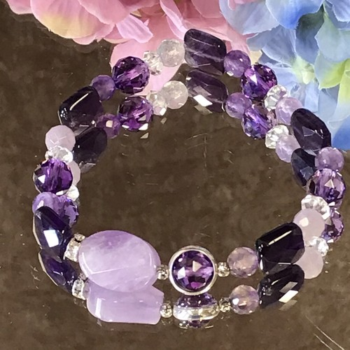 疲れた心を癒したいあなたへ☆紫色の紫陽花ブレスレット