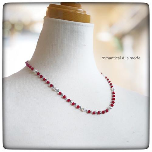 《再販》赤いガラスビーズのネックレス