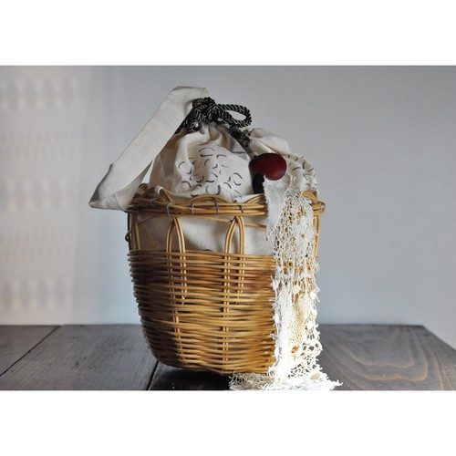 ita shiori 【 She was she is / tesagekago 】 handmade / rattan / vintage / 古布 / 籐 /  バスケット / 手提げかご / いたしおり / かごバッグ / japan