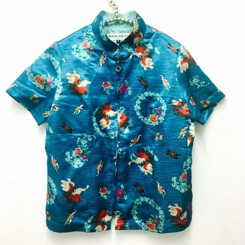 oliental pattern zipup top