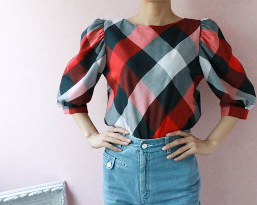 puff sleeve check tops