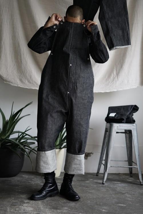 <STYLING> ⇨ TUKI - type 2, loose fit salopettes (black)