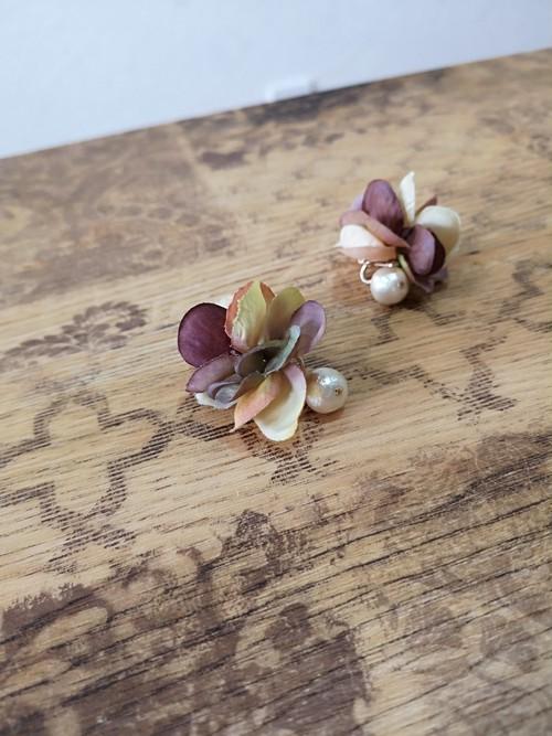 [チタンピアス]花びらとコットンパールの可愛いピアス『ボタニカル』