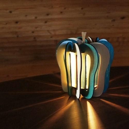 「ピーマン」木製フロアランプ