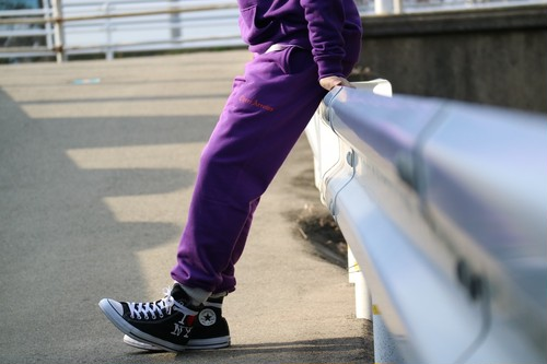 【1/15 21:00 販売開始】THREEARROWS Logo Sweat Pants (purple)
