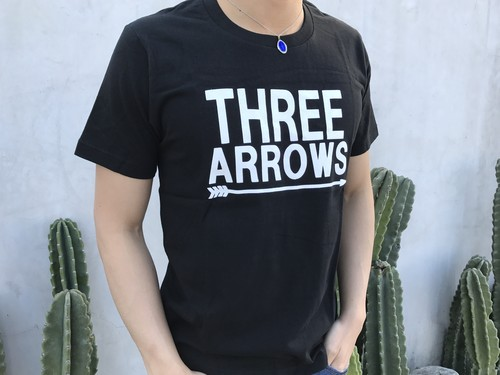 BIG THREE ARROWS Tシャツ(black)