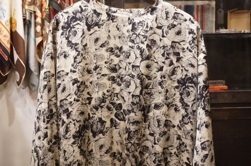 80's rose printed silk pullover Top