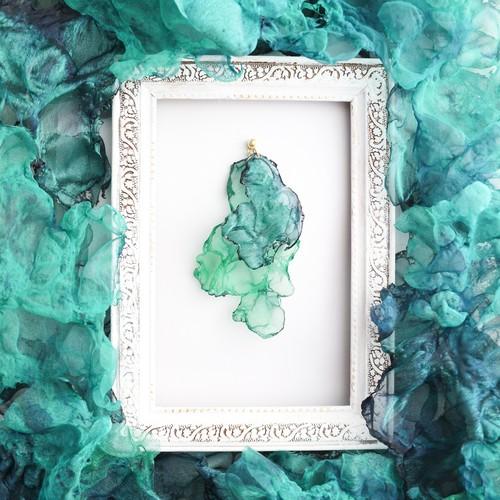 森のざわめき|青と緑のゆれるアートピアス/イヤリング