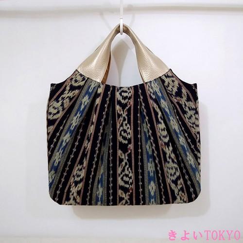 グラニー風 A4が入るイカットのバッグ(黒×青)/着物に合うバッグ