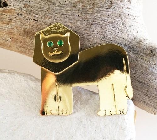 Lion Emerald eyes ☆真鍮ブローチ☆