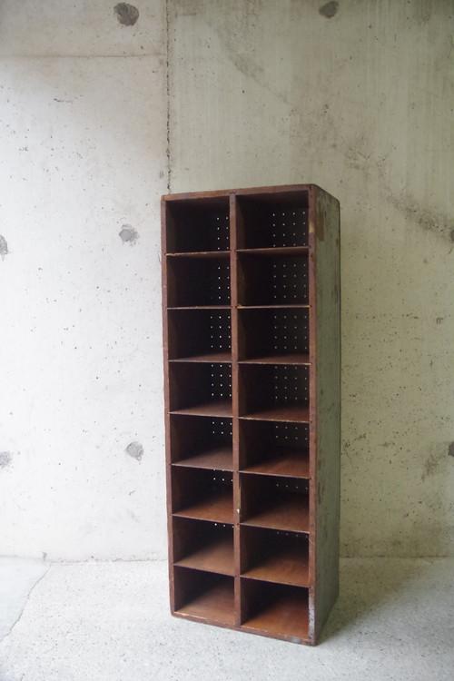 イギリス買い付け アンティーク ウッドパーテーションシェルフ パーツラック 木製 飾り棚 16マス