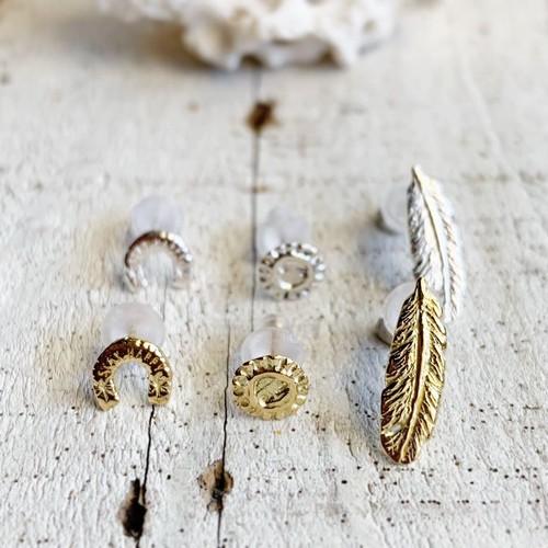 18k gold post earrings