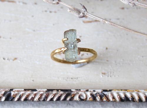 mayumi2812様オーダー 原石のアクアマリンのリング