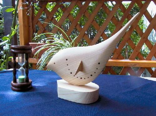 壁面型日時計「鳥」(土佐ヒノキ)