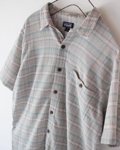 "90s- ""Patagonia organic cotton short sleeve shirt  S"