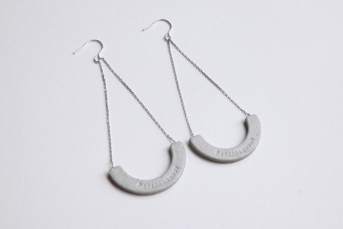 S-HOOP PIERCE / EARRING 【GRAY】