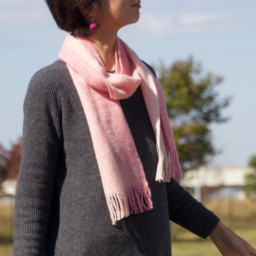 手紡ぎ手織りのマフラー(ピンク)