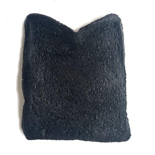 焼きすぎた食パン