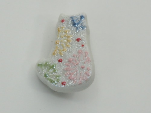 色イッチン小花ねこミニブローチ