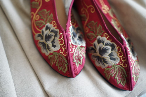 Flower Embroidery Shoes(Wine / flower)
