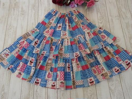 苺大好きさんのロングスカート