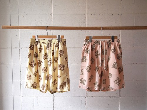 wonderland, Hawaiian tribal short pants