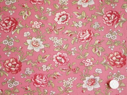 Moda La Rose Rouge レッドピンクにバラ