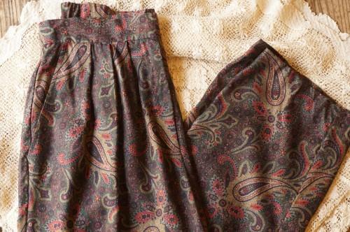 80's Talbots paisley tucked Pants