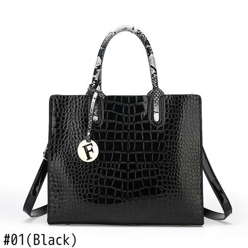 Serpentine Leather Pcs Handbag Luxury Chain Bag Messenger Bag Clutch Sac レザー チェーン ハンドバッグ メッセンジャーバッグ 財布 パスケース (HF0-0963185)