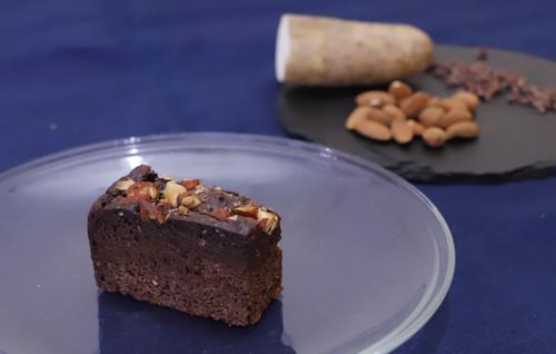 【まるごと野菜のやさしいスイーツ】皮ごと山芋と有機カカオ100%のガトーショコラ