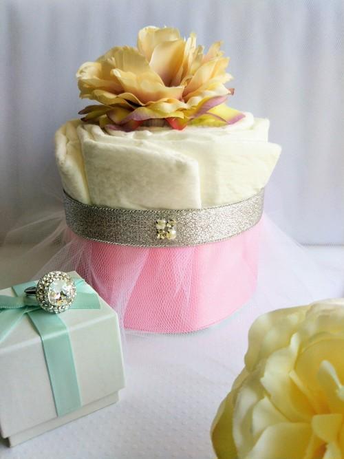出産祝いおむつケーキ【ドレス】