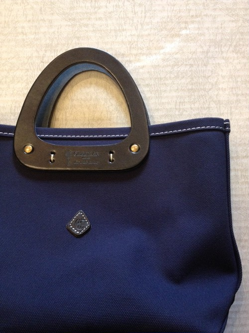 TRIANGLE TOTE(CLEDRAN/the craft factory)