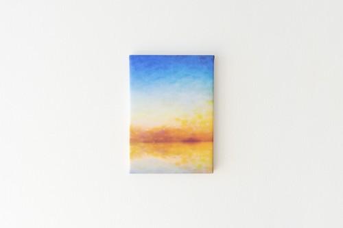 黄色い空と湖の、ファブリックボード