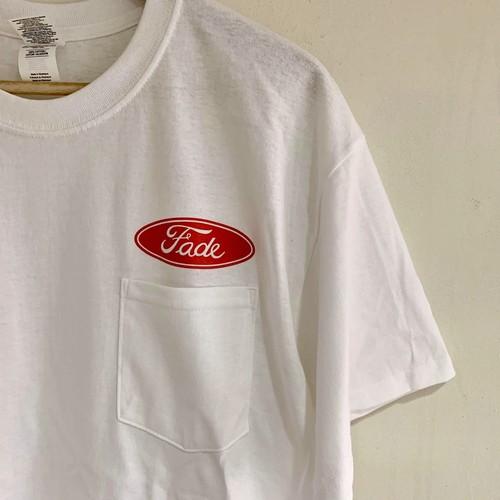 【ラス1になりました】Fade ポケットTシャツ缶バッジ付 ホワイトx赤ロゴ