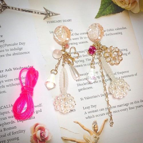s025 真珠薔薇 ピアス