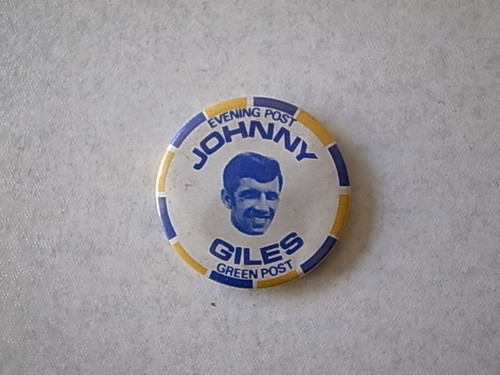 BADGE / JOHNNY GILES