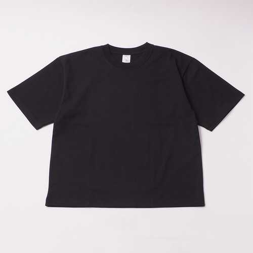 Smooth Heavy  Embroidery Box Cut Tee designed by joji nakamura / BLACK