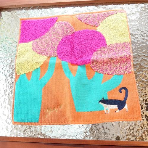 【送料込み】タオル ハンカチ 猫と大きな街路樹