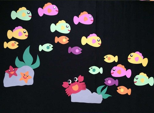 【7月の壁面装飾】海の中なら涼しそう。かわいい魚やカニの壁面装飾