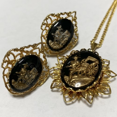 Vintage Oriental Intaglio Earrings & Pendant Necklace