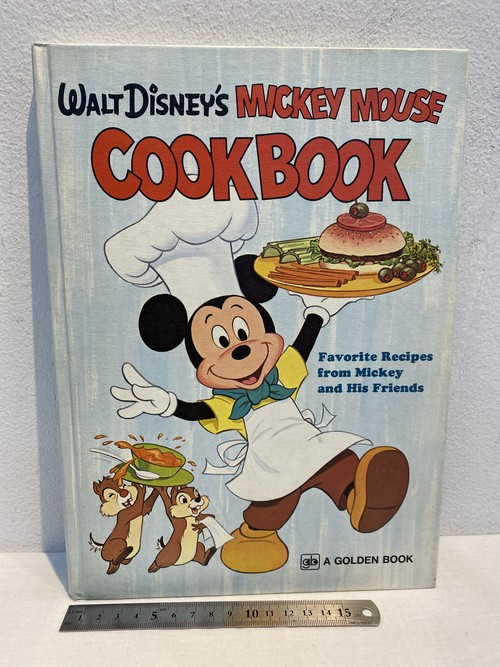 70's WALT DISNEY'S MICKEY MOUSE COOK  BOOK