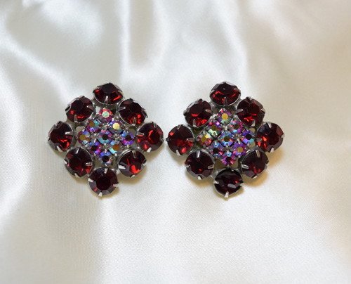 VINTAGE red rhinestone earring