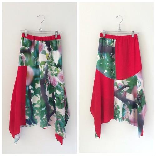 PHOTO PRINT SILK スカート