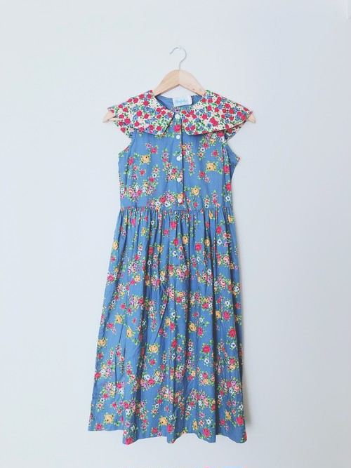 mother dress flower