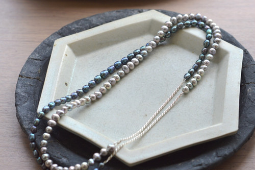 """in-ei"" pearl Long Necklace"